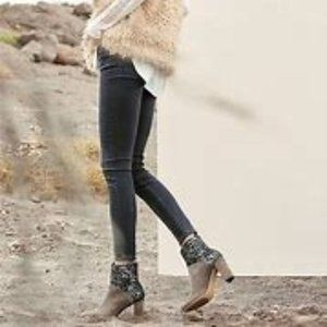 Anthropologie Cubanas Ciarra Suede Ankle Boots 36